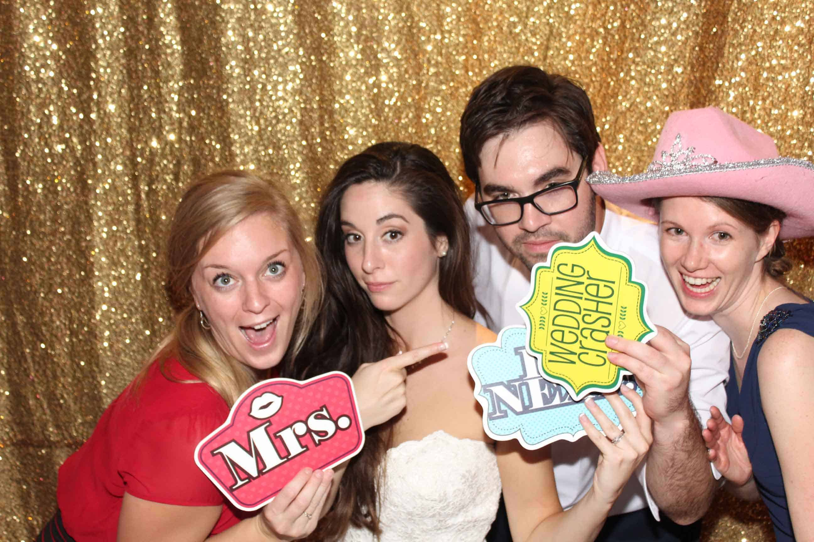 Affordable Oregon Photo Booth Rental for all events