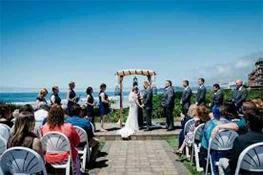top 5 oregon beach wedding venue, oregon wedding dj, oregon photo booth rental